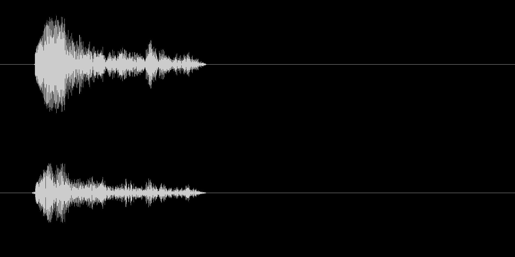 カッという短い効果音の未再生の波形