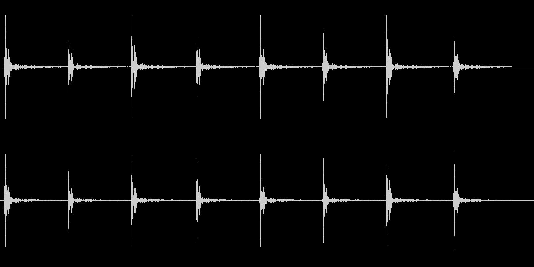木材をトンカントンカンたたく音の未再生の波形