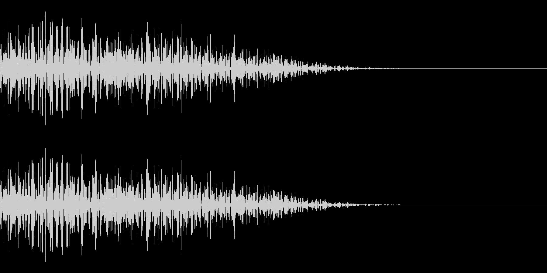 ガーッ(重い物を動かす音)の未再生の波形