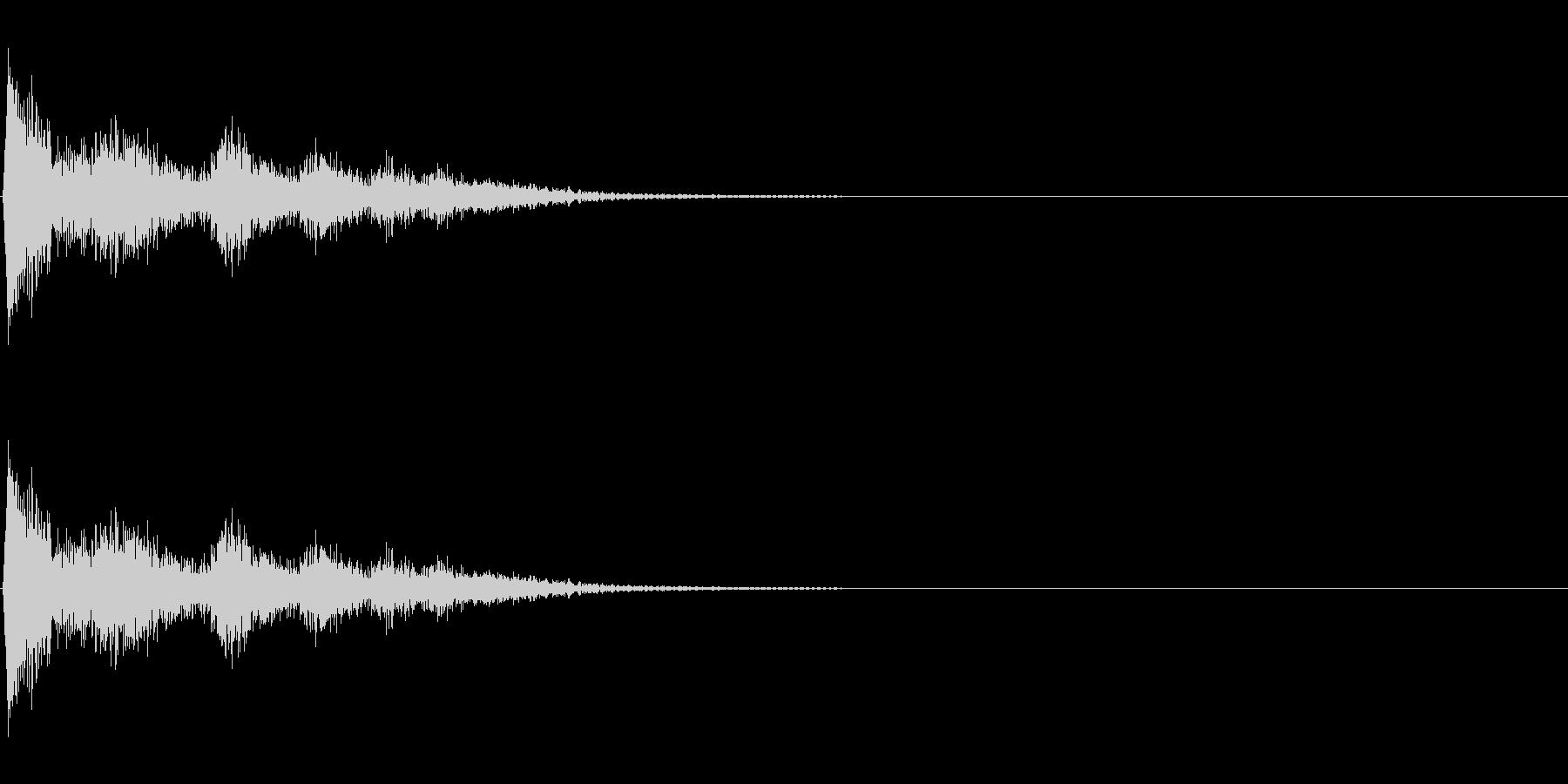 落ちる蓋(鍋など)の未再生の波形