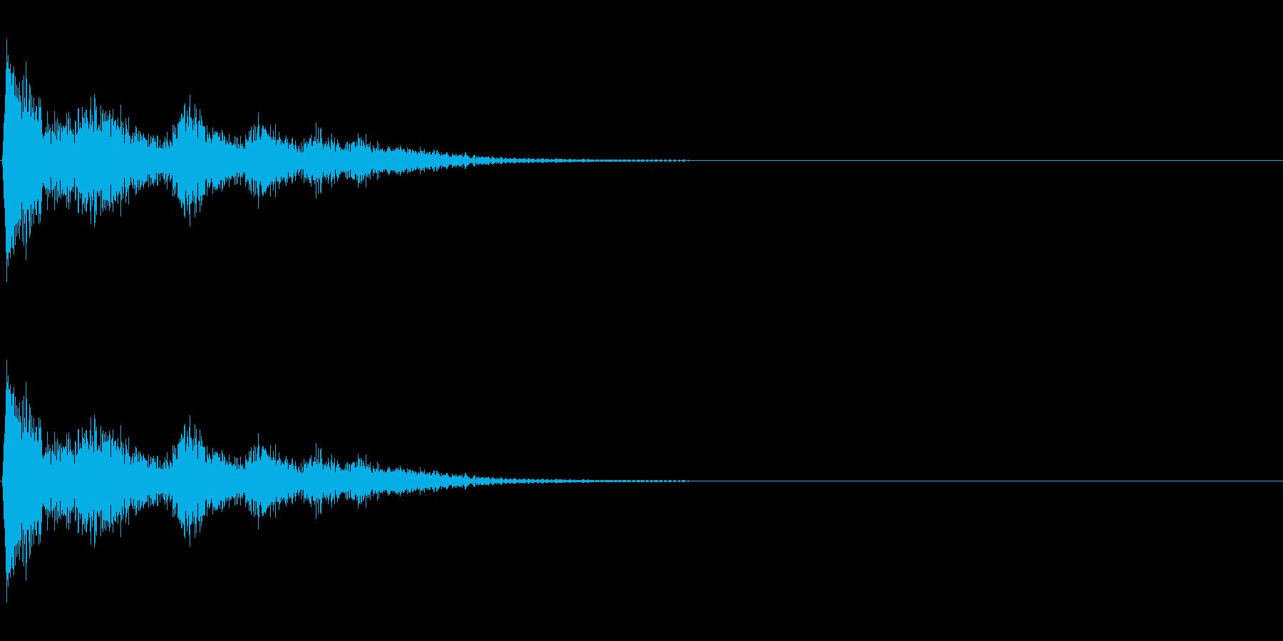 落ちる蓋(鍋など)の再生済みの波形