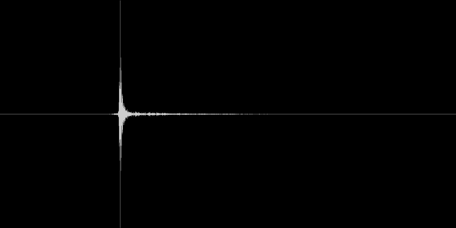 小さいスイッチ。「カチッ」の未再生の波形
