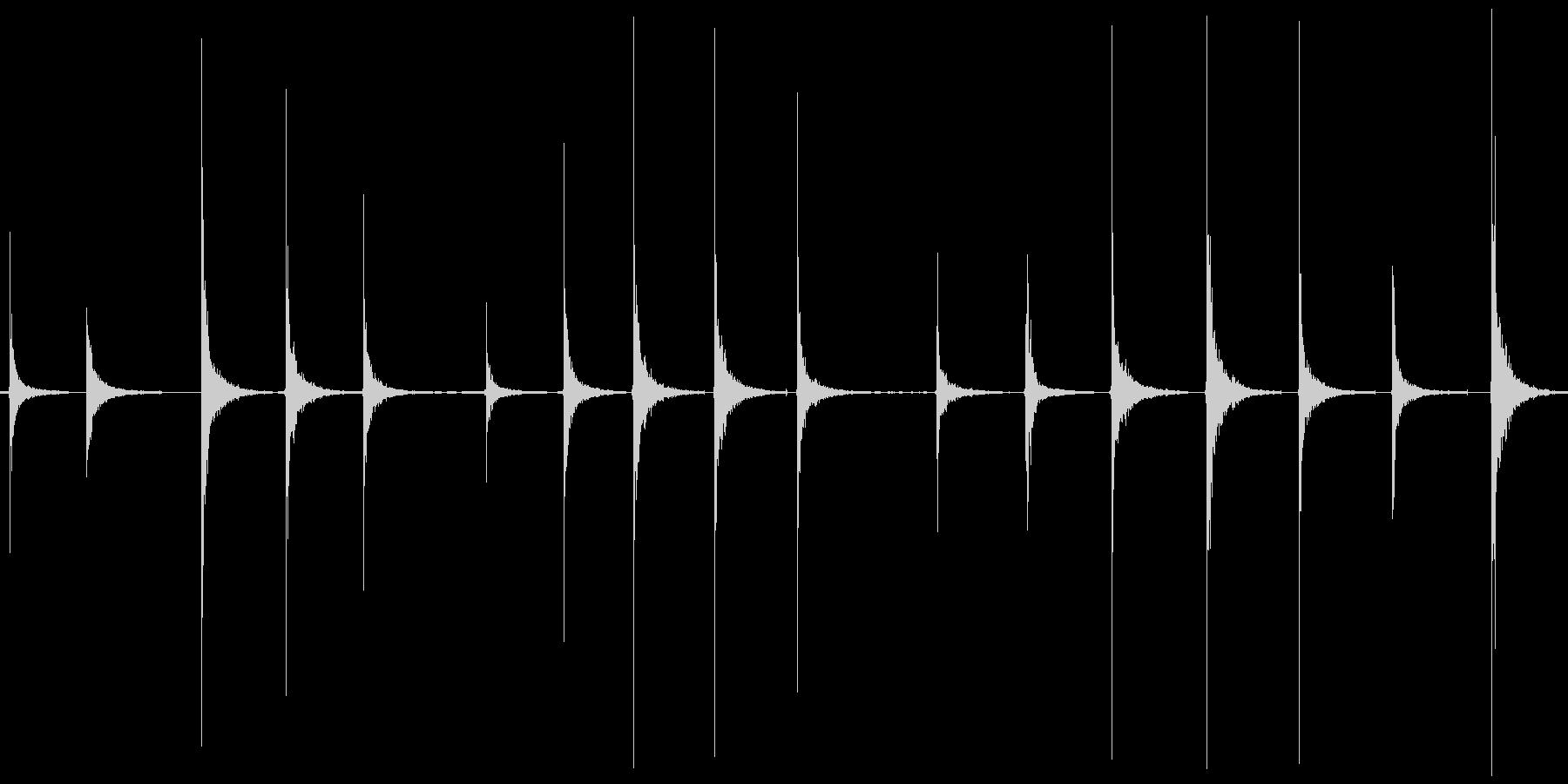 カーン カツッ という足音をひたすら収録の未再生の波形