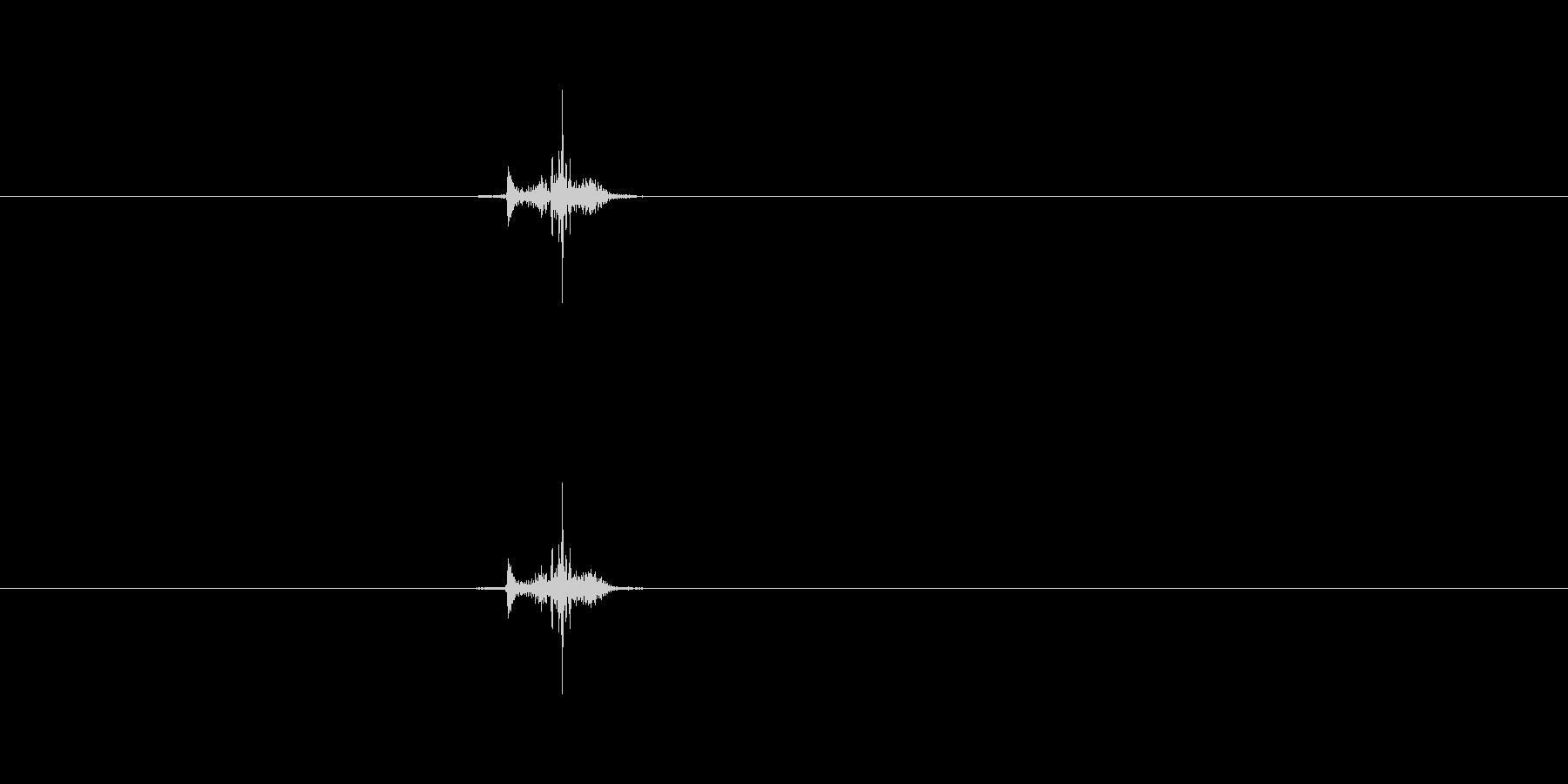 (チュッ)の未再生の波形
