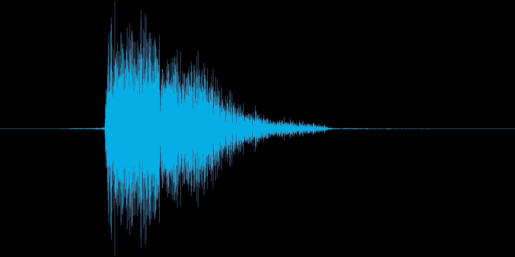ザシュッ(衝く、刺す、槍)の再生済みの波形