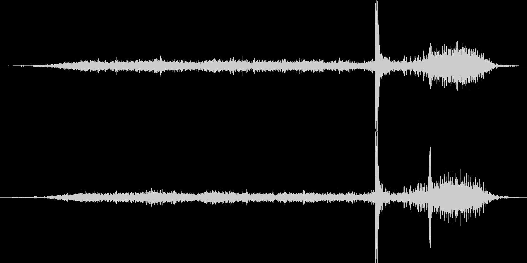 ディスクトレイが出る音の未再生の波形