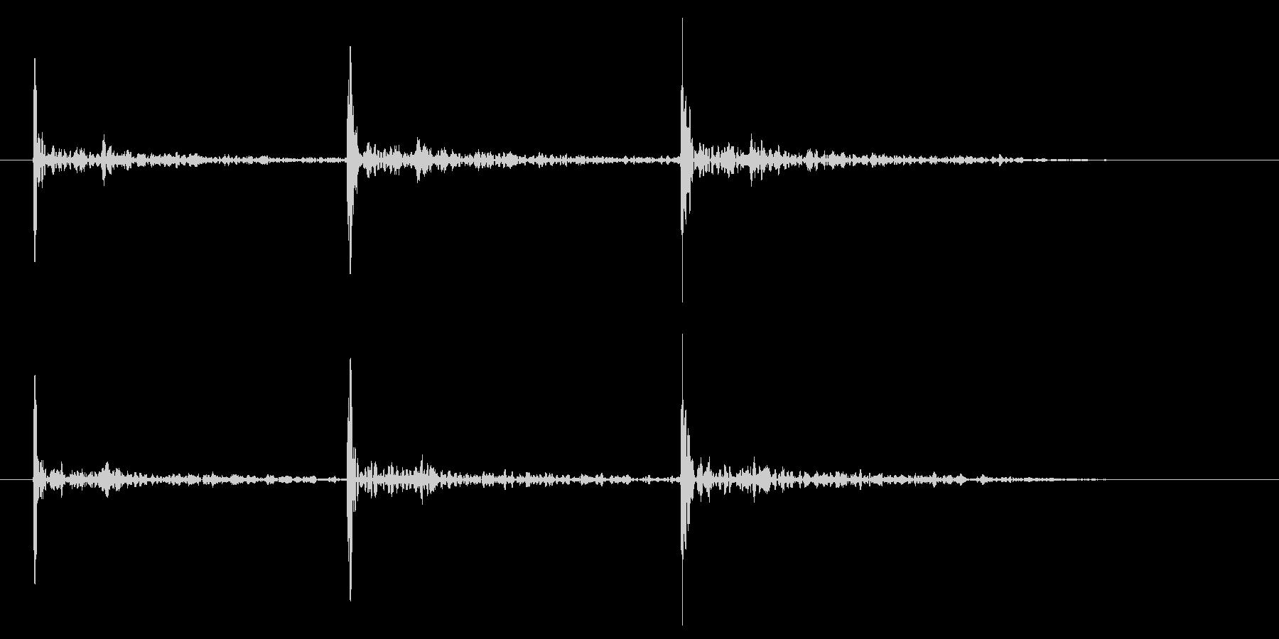 ドアノック 3回 高めのトントントンの未再生の波形