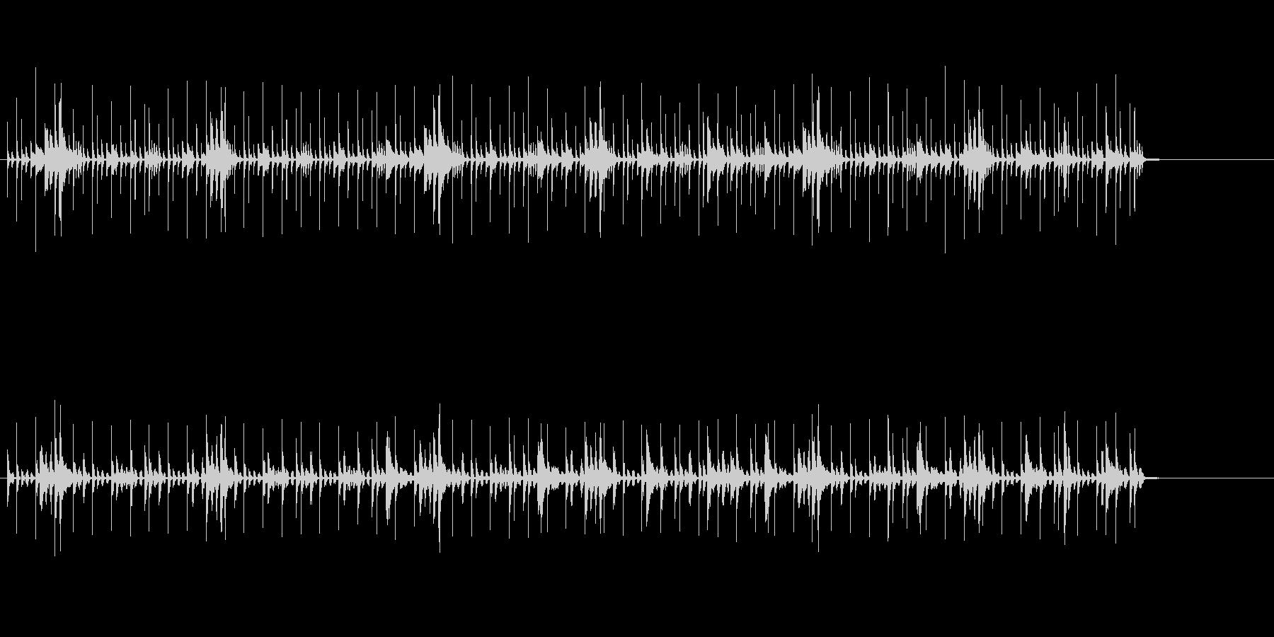パーカッション主体のふわっと流れる曲の未再生の波形