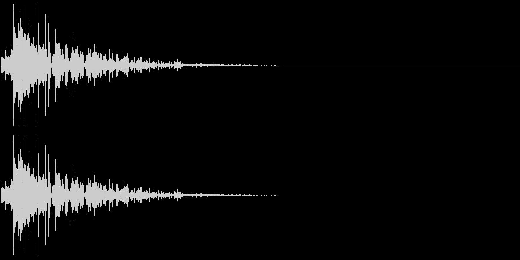 キャラクタが倒れる01(やや重い系)の未再生の波形