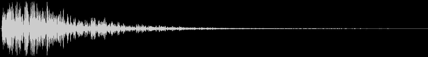 ガーンという金属の音の未再生の波形