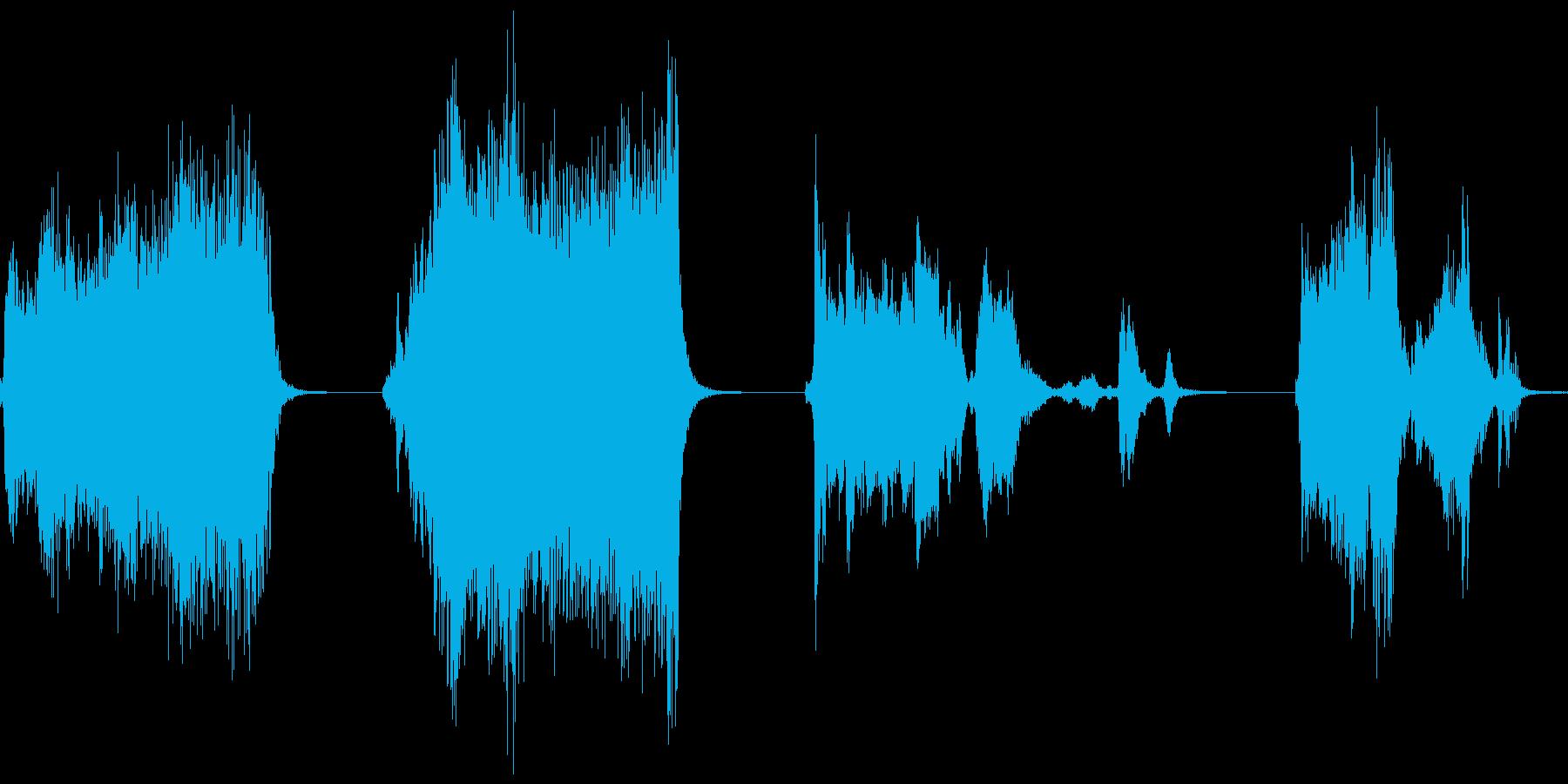 ギギギ…ギィギイときしむ音のセットですの再生済みの波形