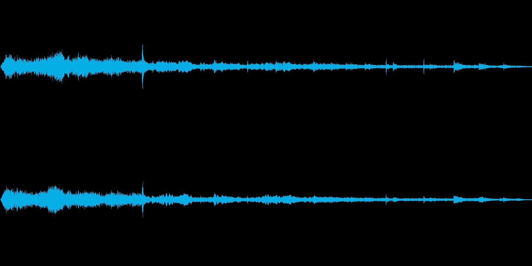 登山電車 駅に到着 ブレーキ操作音の再生済みの波形