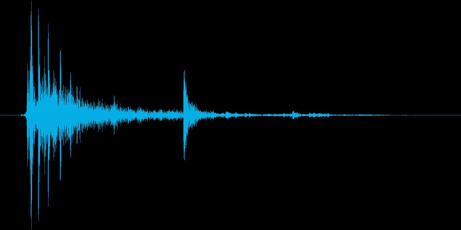 パキャーン(陶器や壺を割る音)の再生済みの波形