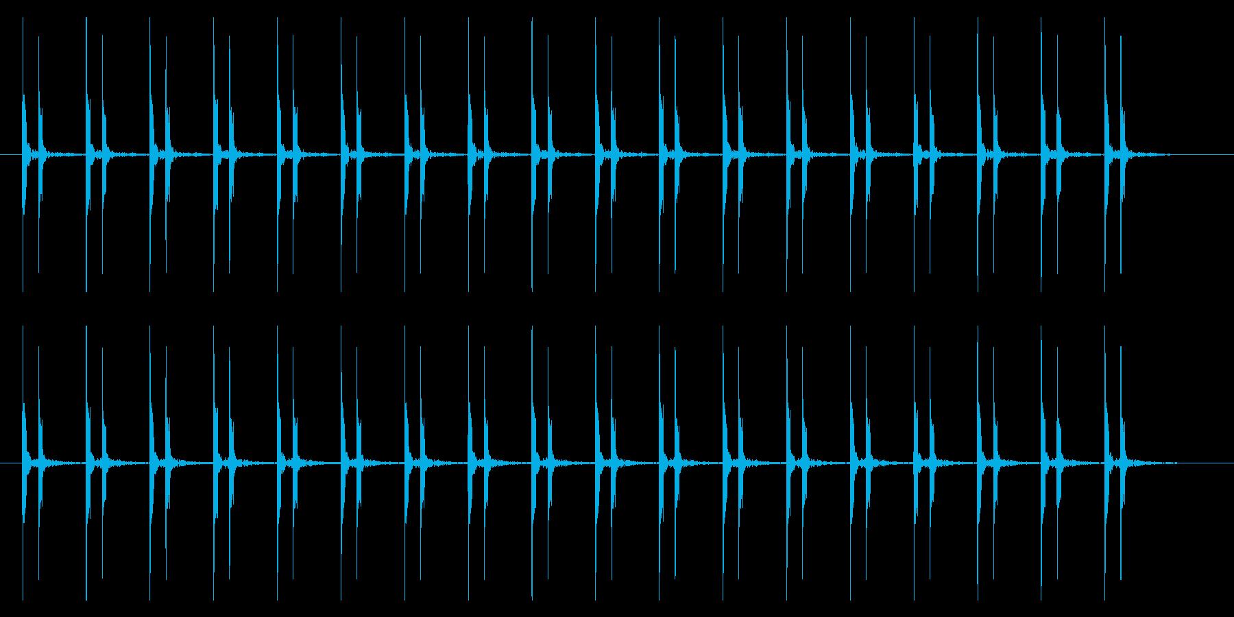 心臓の鼓動(ドクンドクン)やや早いの再生済みの波形