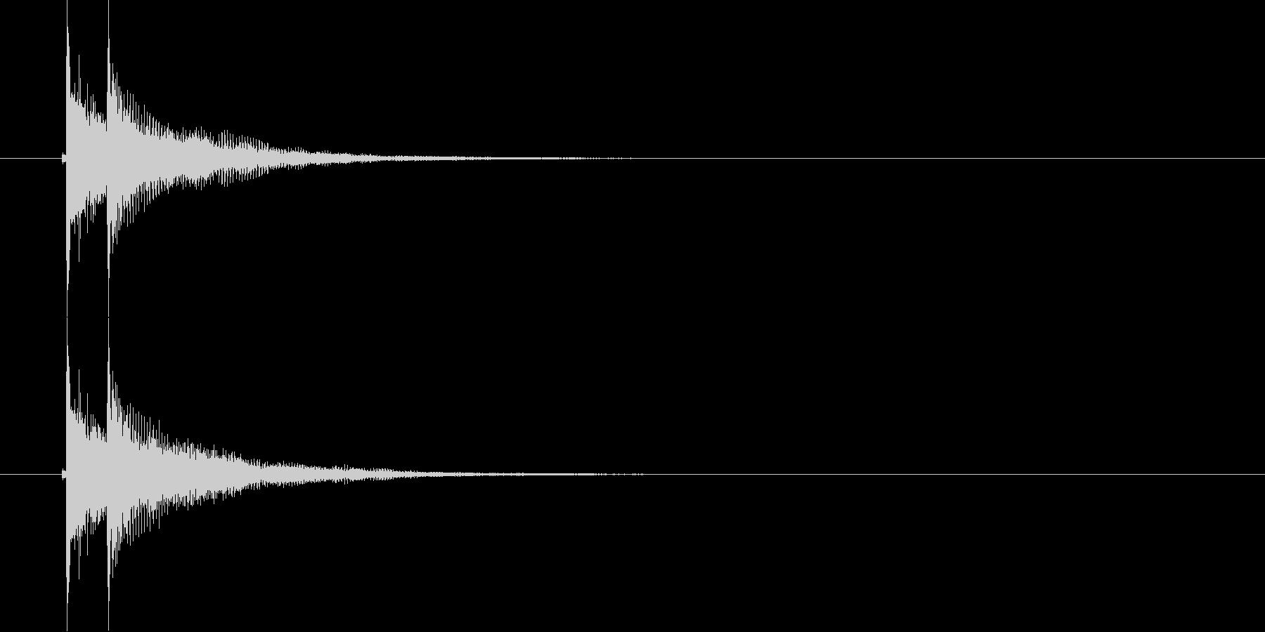 デデン(和風決定音)の未再生の波形