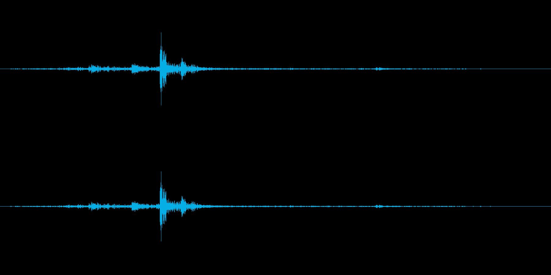 かりっ。クリック音です。の再生済みの波形