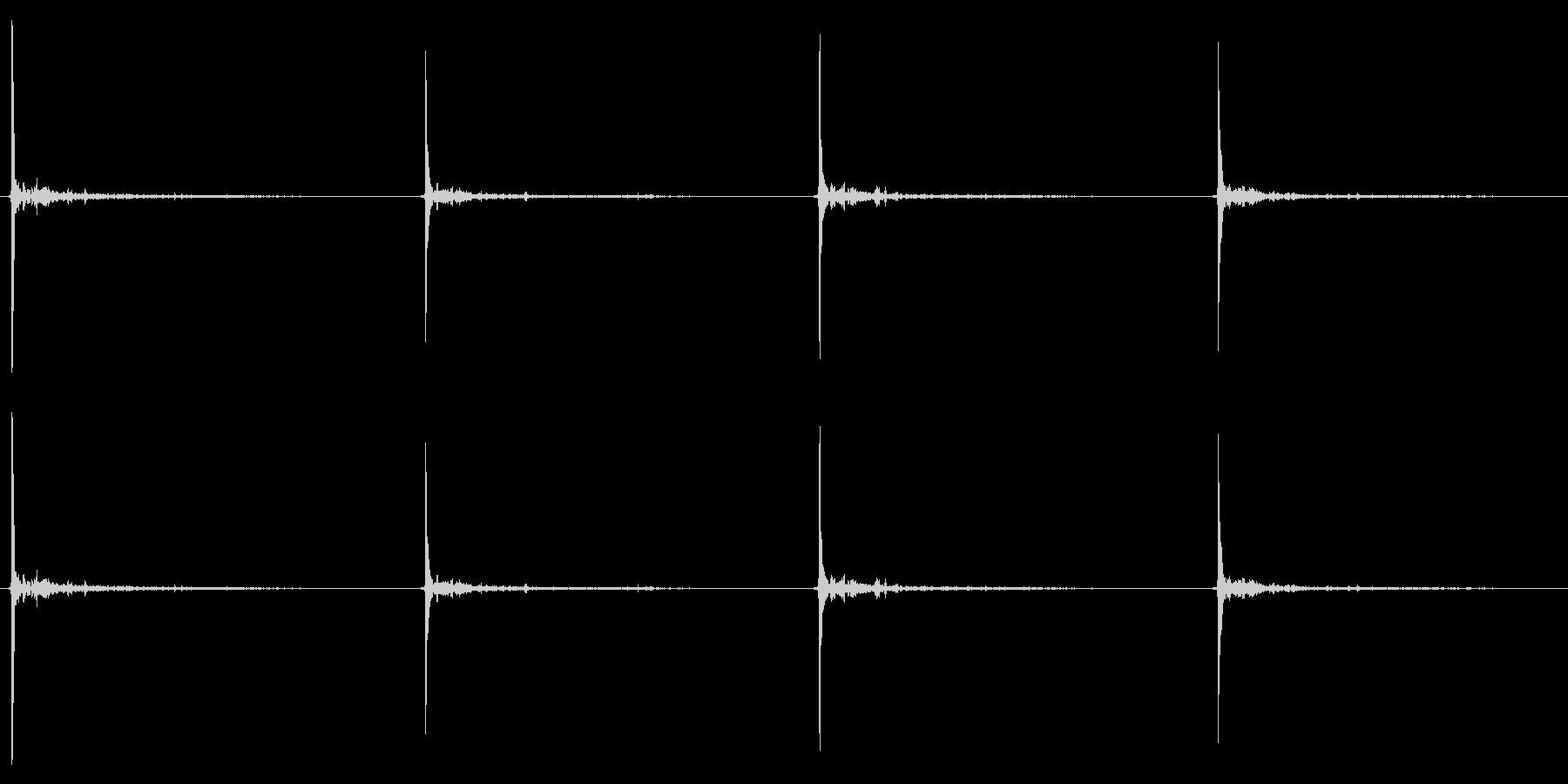 足音/ブーツ/フローリング/コツコツの未再生の波形