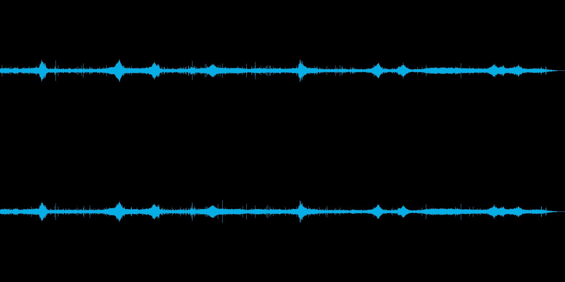 雨の音(ザー・パチパチ)鳥の声+車の音の再生済みの波形