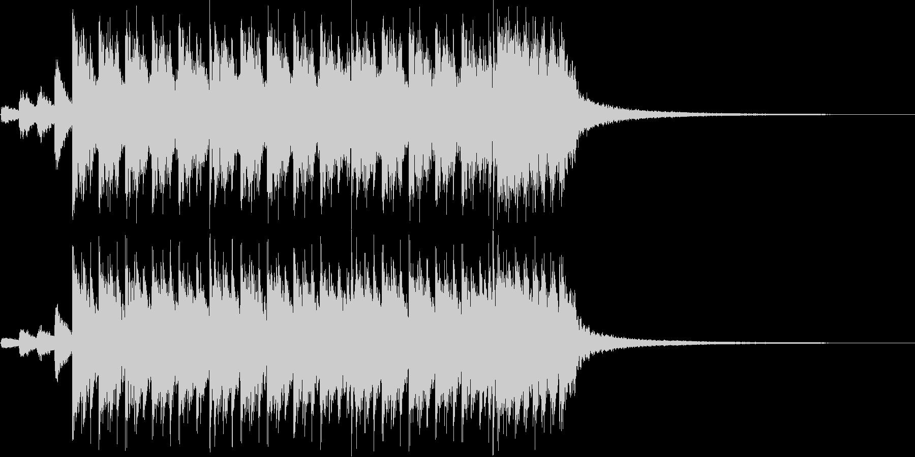 激しく疾走感のあるメタル風の曲の未再生の波形