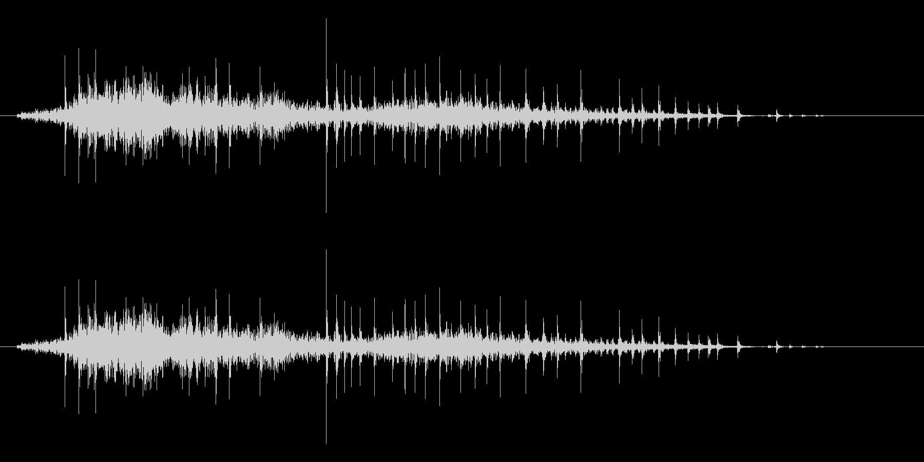 弓をひく効果音(木製、弓矢、きしみ等)3の未再生の波形