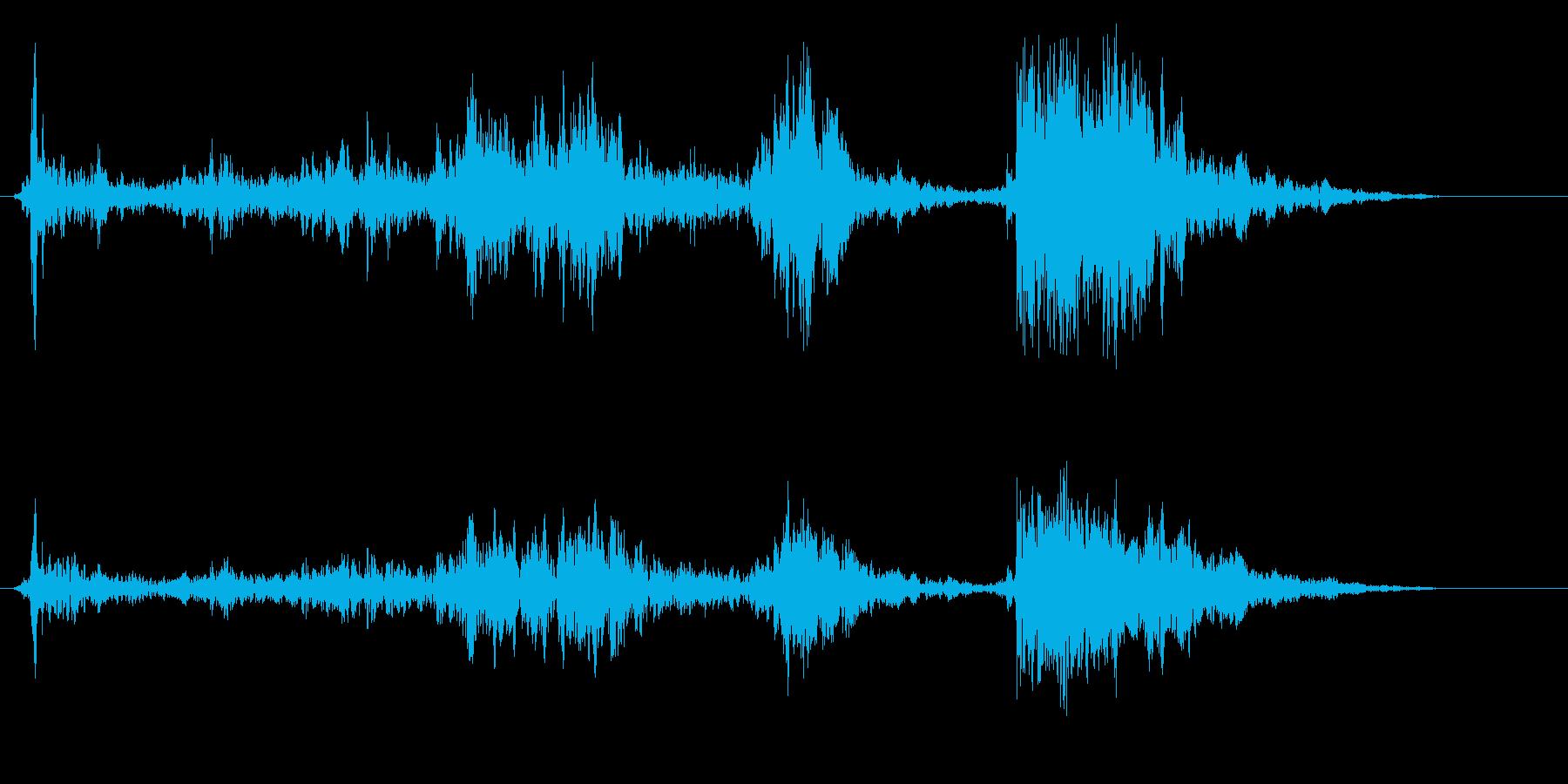 チャラチャラチャンとビンの蓋を開ける音の再生済みの波形