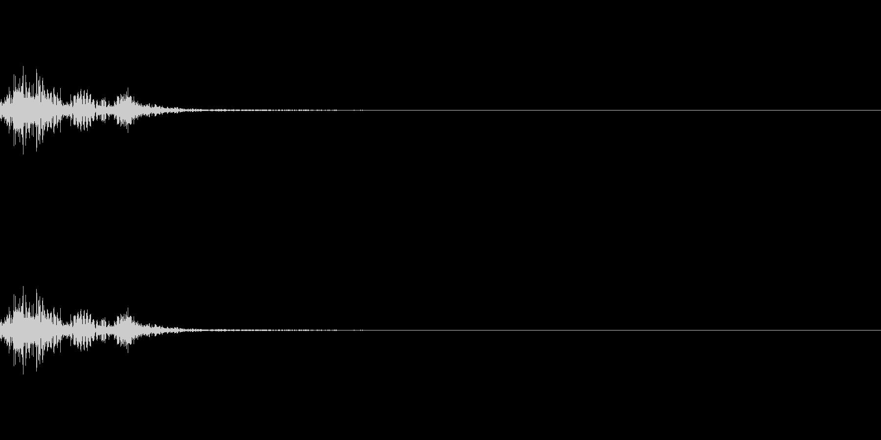 ガチャッ 重厚な金属音 ドアノブの様な音の未再生の波形
