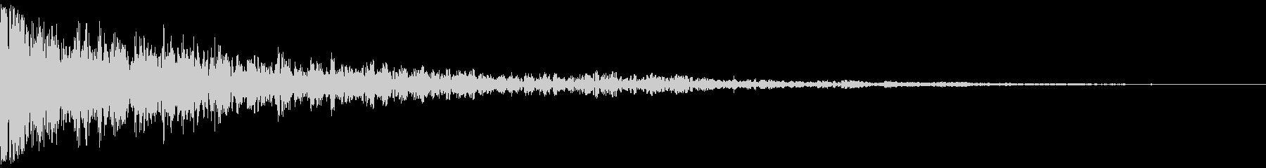 ドーン:金属の音が入っているインパクト音の未再生の波形