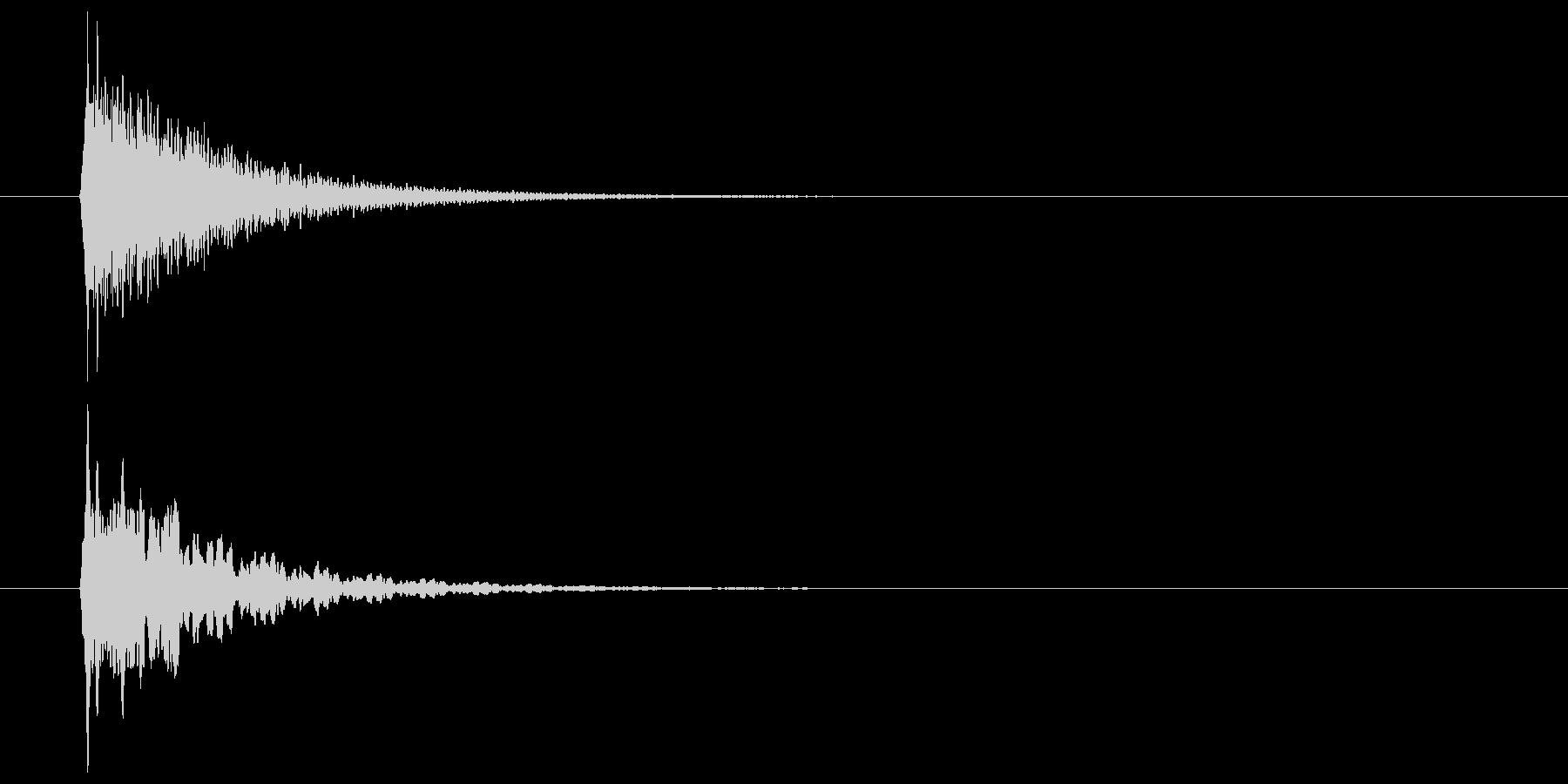 キーン(甲高い音・余韻長い)の未再生の波形