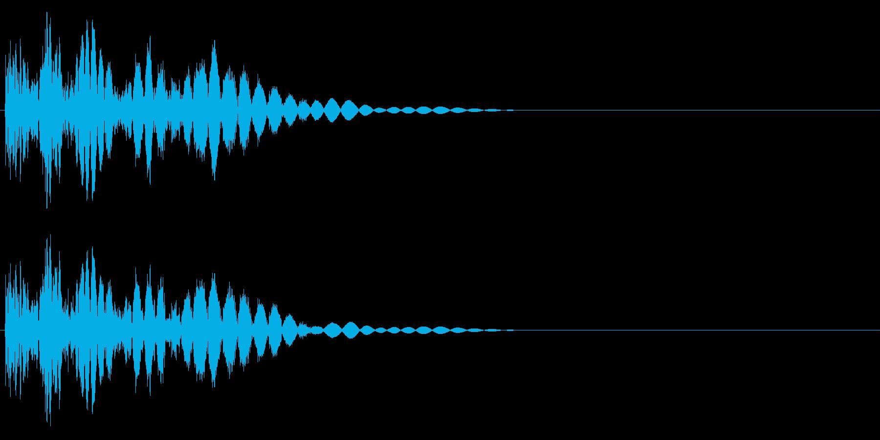 バシッ(キックする音、打撃音)の再生済みの波形