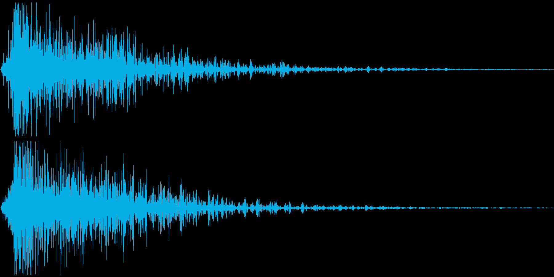 【バタン!】大きな扉が派手に閉まる音の再生済みの波形