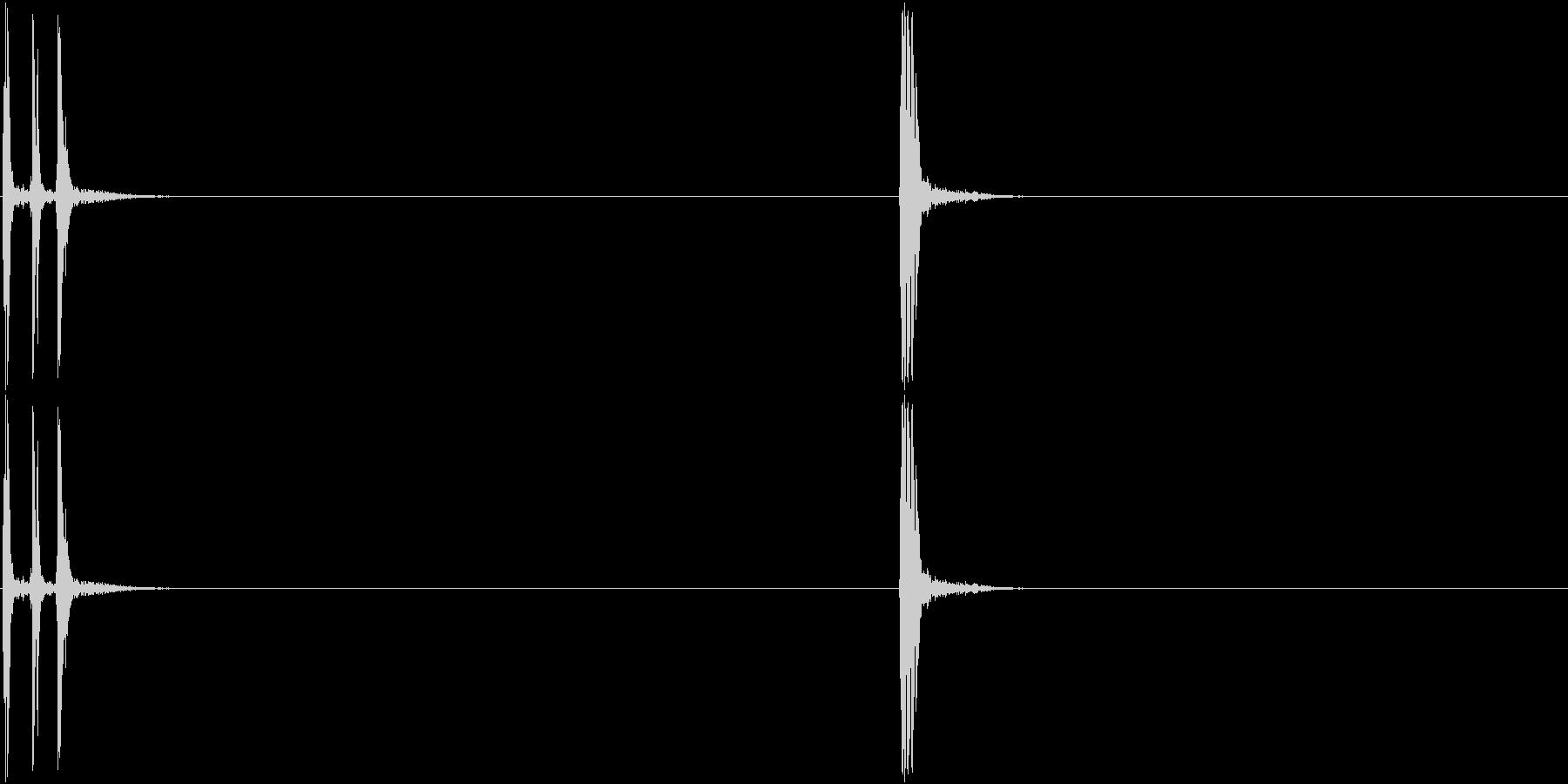 古い映写機風のスライド音の未再生の波形