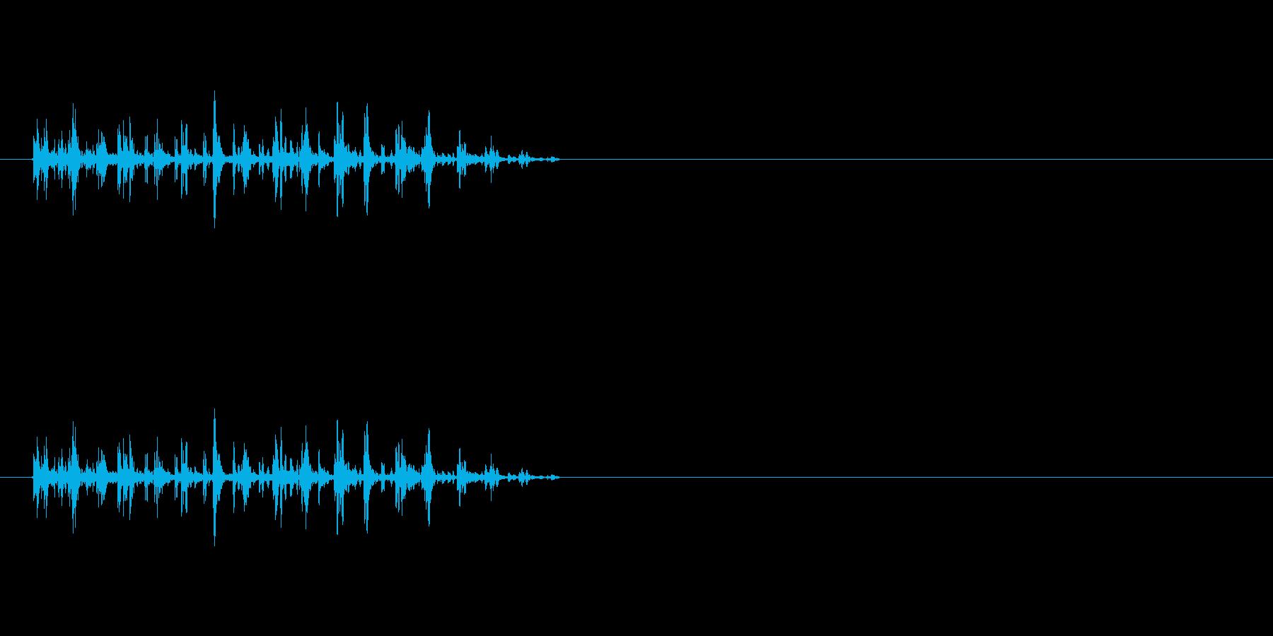 【バタバタバタバタ】鳥や虫が飛ぶ・騒ぐ音の再生済みの波形